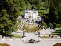 Palais Linderhof - château romantique dans le style de Néo--rococos - l'Allemagne photo stock