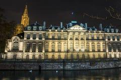 Palais lumineux Rohand et cathédrale à Strasbourg, France Images stock