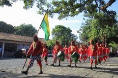 Palais rouge de Yogyakarta de soldats Photos libres de droits