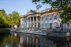Palais sur l'île en parc de Lazienki à Varsovie images libres de droits