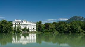 Palais sur le lac Image libre de droits