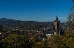Palais Wernigerode avec le ciel bleu images stock