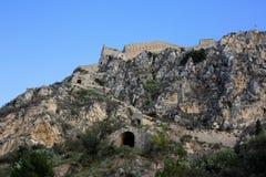 Palamidi fästning på kullen, Nafplion - Grekland Väggar och bastioner av den Palamidi fästningen, Nafplio, Peloponnese, Grekland  arkivfoton