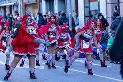 Palamos, Spanien - 10. Februar 2018, traditionelle Karnevalsparade in einer Kleinstadt Palamos, in Katalonien, in Spanien Lizenzfreie Stockbilder