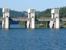 Palanca de la presa del douro del río imagen de archivo
