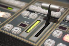 Palanca de mando video del interruptor de la producción de la televisión de difusión imágenes de archivo libres de regalías
