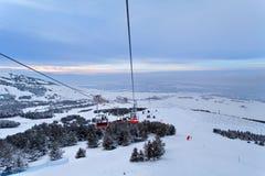 Palandoken,埃尔祖鲁姆,日落的土耳其-山滑雪和雪板运动 免版税库存图片