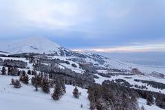 Palandoken,埃尔祖鲁姆,日落的土耳其-山滑雪和雪板运动 库存照片