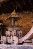 Palanquin de madeira no templo narayan Kathmandu Valley Nepal Foto de Stock