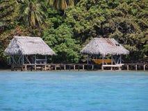 Palapa com boathouse Imagens de Stock