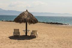 Palapa de plage Photographie stock libre de droits
