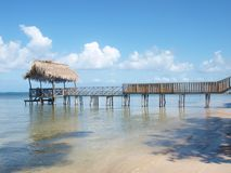 Palapa em Punta Gorda, Roatan foto de stock