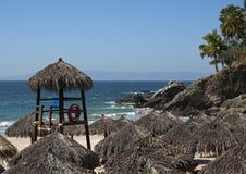 Palapas et océan pacifique Images libres de droits