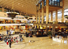 Palas购物中心内部 库存照片