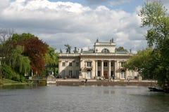 Palast auf dem Wasser Stockbild