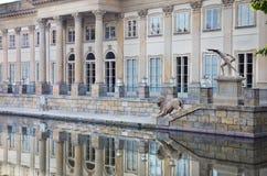 Palast auf dem Wasser Stockfoto