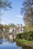 Palast auf Wasser in Lazienki-Park in Warschau Lizenzfreies Stockbild