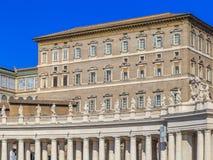 Palast der Päpste, Ansicht von St- Peter` s Quadrat Lizenzfreie Stockbilder
