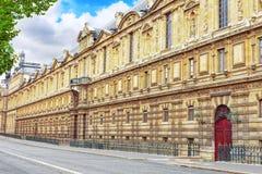 Palast des Louvre nach die Ufergegend François Mitterrand. Fran Lizenzfreies Stockbild
