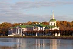 Palast am Museumzustand Kuskovo Stockfoto