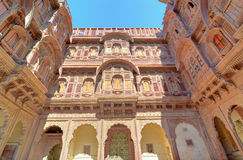 Palast of Sandstone Udaipur, Rajastan, India. inner courtyard Stock Photo