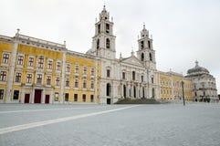 Palast von Mafra - Portugal lizenzfreie stockbilder