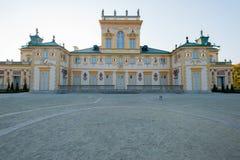 Palast Wilanow-Palast-Warschaus Polen im Oktober 2014 mit Garten-Außenansicht herum lizenzfreie stockbilder