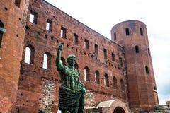 Palatina Gate, Torino, Piemonte, Italia immagini stock libere da diritti