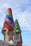 Palau Guell - chimeneas imagenes de archivo