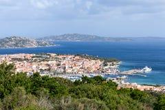 PALAU, SARDINIA/ITALY - MAJ 21: Widoku puszek Palau w Sardinia Zdjęcia Royalty Free
