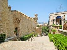 Palauisk mars för bakgata Museu/Palacio verkliga Almudaina, Palma de Majorca Arkivfoton