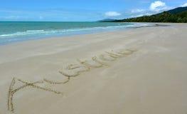 A palavra Austrália escrita na areia fotos de stock royalty free