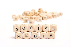 Palavra com meios do social dos dados Fotografia de Stock Royalty Free