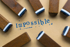 a palavra da letra do alfabeto impossível do selo rotula a fonte no papel fotografia de stock
