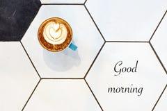 Palavra do bom dia em um copo Fotos de Stock Royalty Free