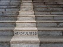 A palavra MINDFULNESS escrito em escadas fotografia de stock royalty free