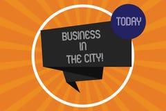 Palavra que escreve o negócio do texto na cidade O conceito do negócio para escritórios profissionais das empresas urbanas nas ci ilustração stock