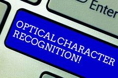 Palavra que escreve o reconhecimento de caractere ótico do texto Conceito do negócio para a identificação do teclado impresso dos fotografia de stock