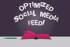 A palavra que escreve o texto aperfeiçoou a alimentação social dos meios O conceito do negócio para alimentações digitais da otim ilustração stock