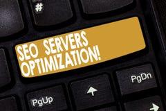 Palavra que escreve o texto Seo Servers Optimization Conceito do negócio para a chave de teclado da eficiência do funcionamento d foto de stock
