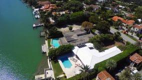Palazzi di lusso di lungomare in video dell'antenna di Miami stock footage