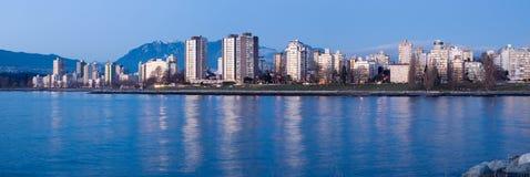 Palazzi multipiani alla baia inglese, Vancouver, Canada Fotografie Stock