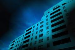 Palazzina di appartamenti della città Immagini Stock