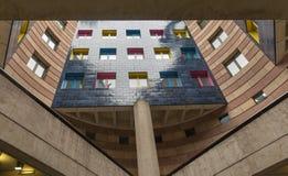 Palazzina di appartamenti nella città di Londra Fotografie Stock Libere da Diritti