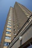 Palazzina di appartamenti sociale dell'alloggiamento Immagini Stock