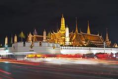 Palazzo alla notte, Bangkok del kaew di pra di Wat grande Fotografia Stock Libera da Diritti
