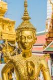 Palazzo Bangkok Tailandia della statua di Kinnon grande Fotografie Stock