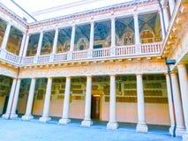 Palazzo Bo, historiskt byggnadshem royaltyfri foto