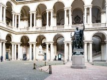 Palazzo Brera,米兰Cortile d'奥诺雷庭院  库存图片