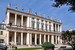 Palazzo Chiericati, uma construção do renascimento projetada e construída pelo arquiteto Andrea Palladio e agora pelo museu cívic imagens de stock royalty free